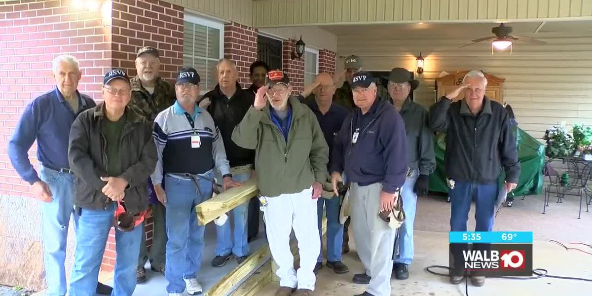Volunteers build wheelchair ramp for Albany veteran