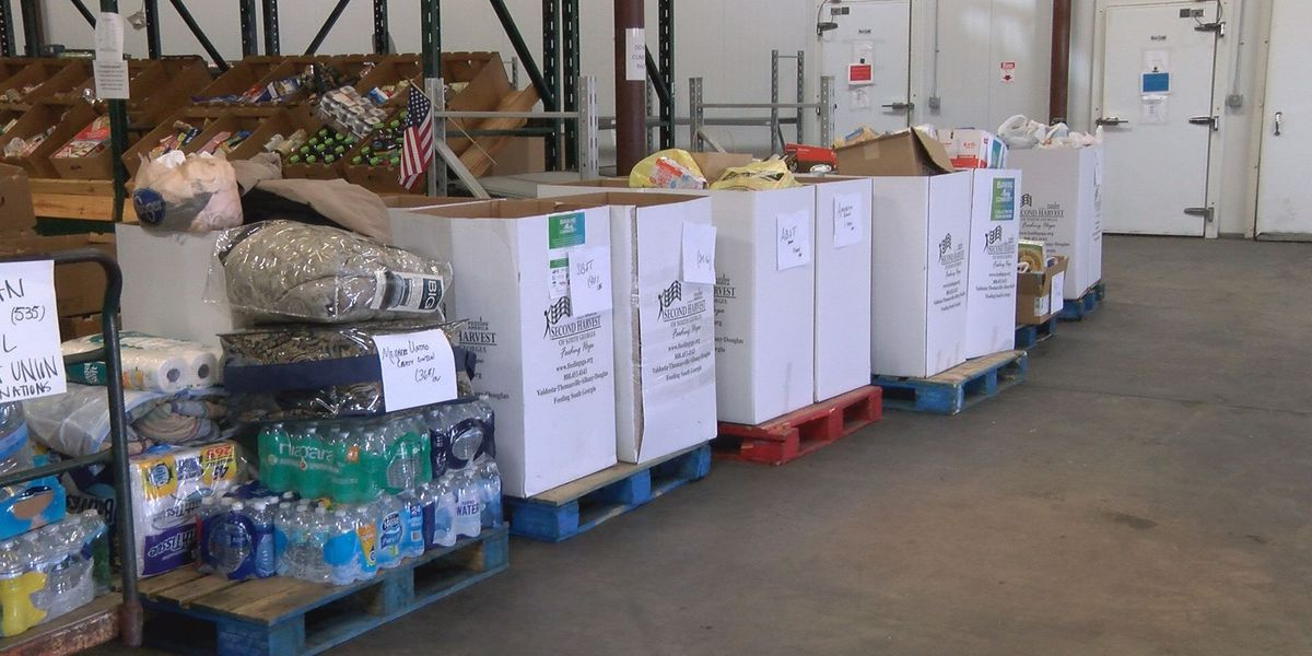 Banks collect 3,500 meals for Second Harvest