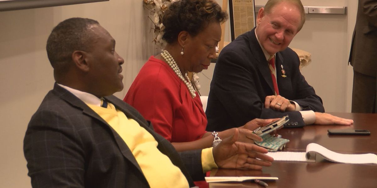 Lawmakers discuss new legislation with constituents