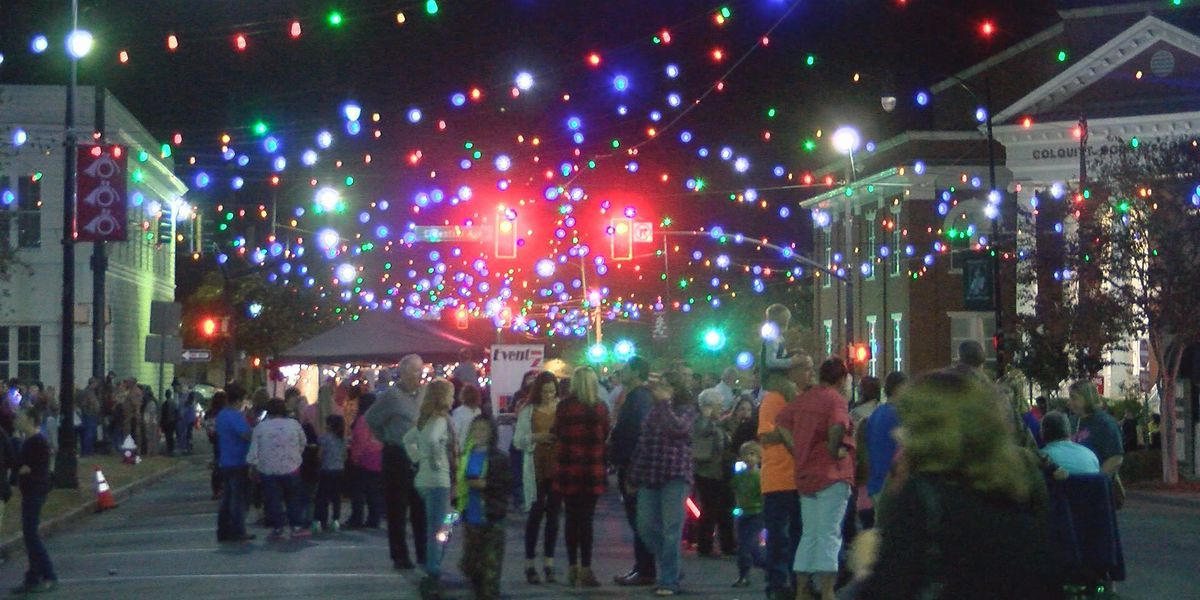 Moultrie lights up city streets for the holidays