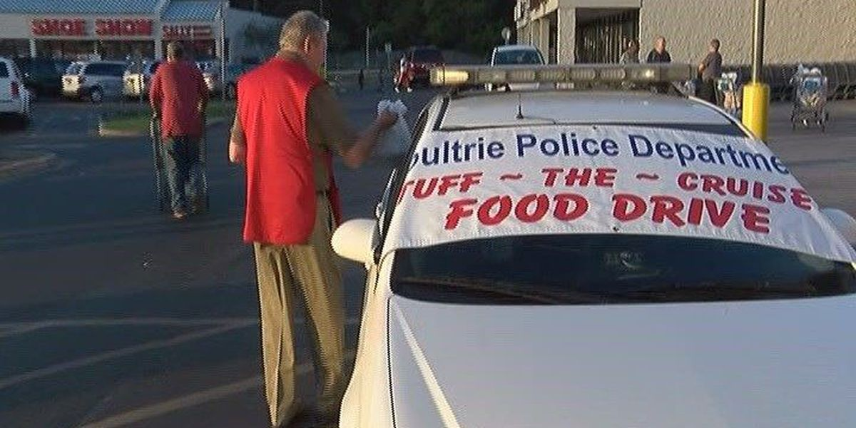 Moultrie volunteers 'stuff the cruiser'