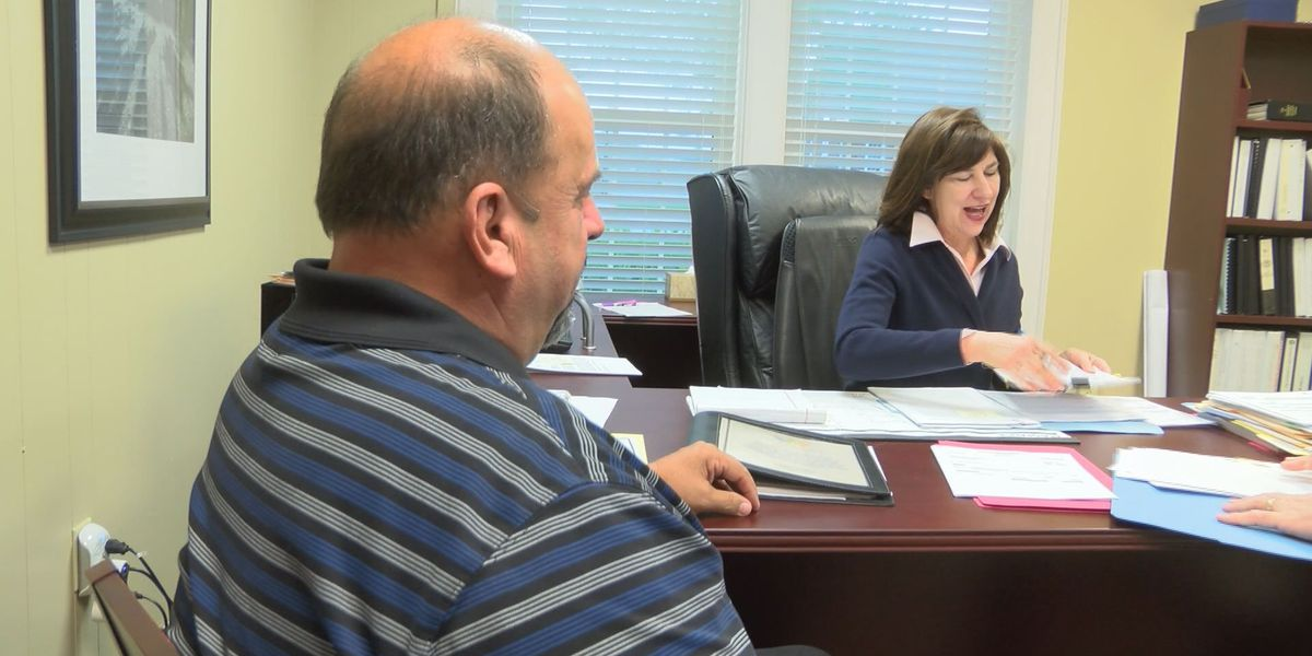 Lee Co. now has two interim co-managers