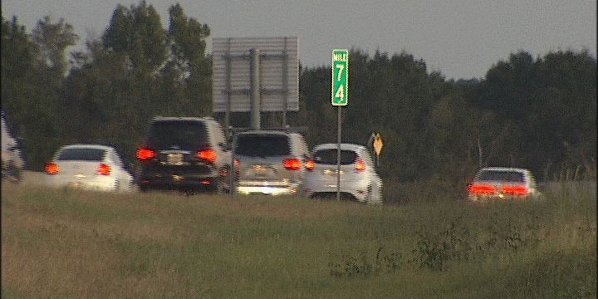 One person dies in I-75 crash