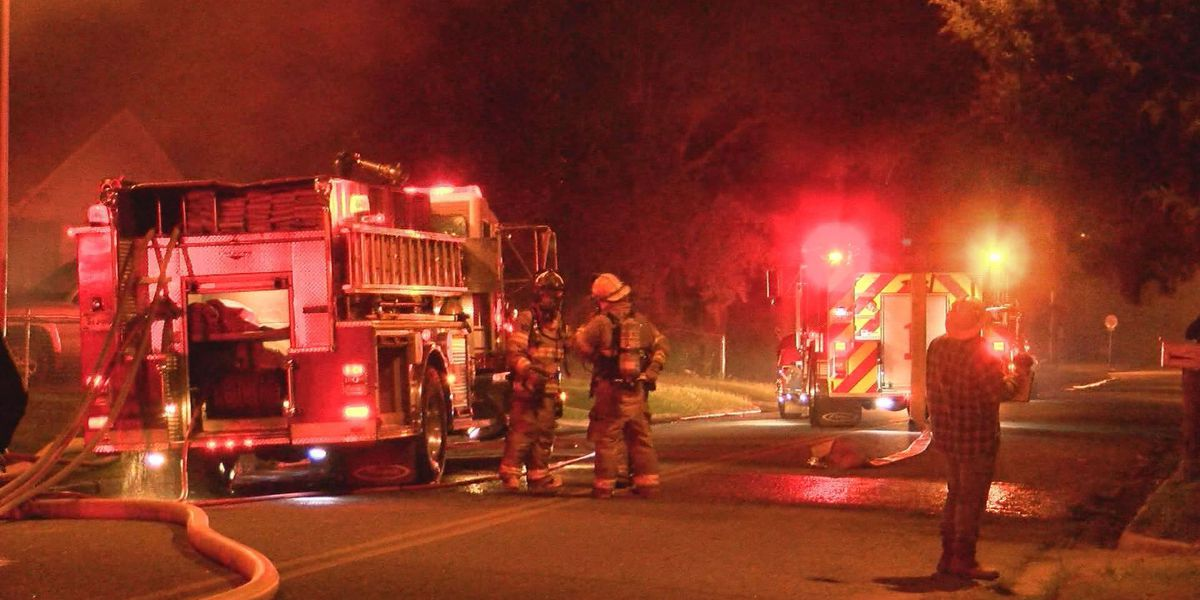 Investigators probe cause of South Albany fire
