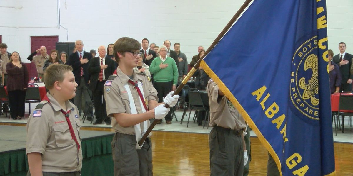 Boy Scouts learn about leadership