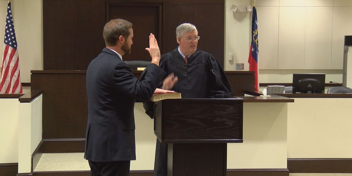 Brad Rigby sworn in as Cordele Circuit District Attorney