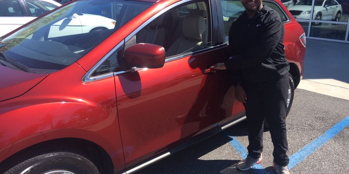 Valdosta High student wins car for graduation