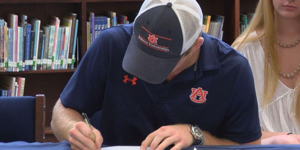 DWS' Williams signs with Auburn