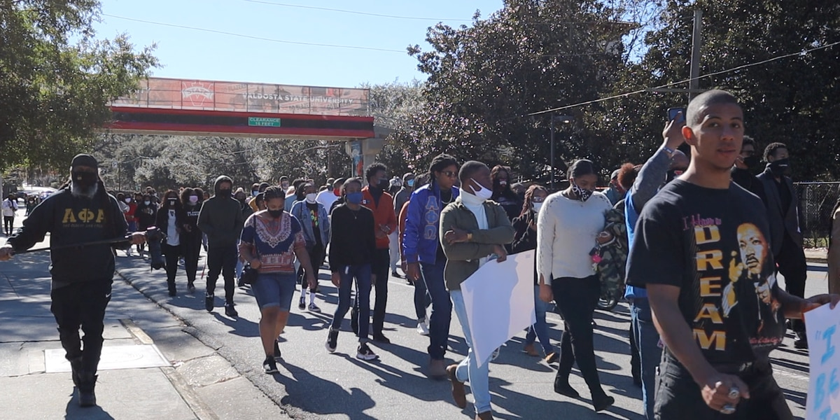 VSU students march to honor Martin Luther King Jr.