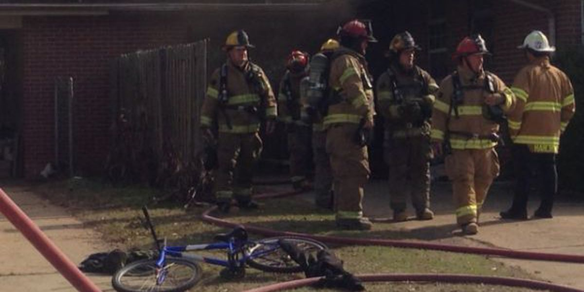 Neighbor saves 3-year-old from Albany house fire