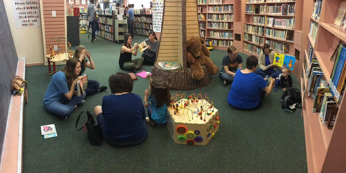 """""""Signing Time at the Library"""" helps deaf children enjoy book readings"""