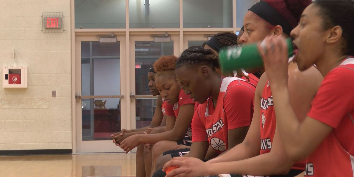 Lady Cavs regroup around leaders for region play