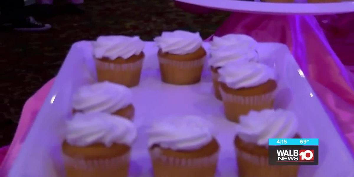 'Cupcakes and Cocktails' event raises $3,000 to provide mammograms