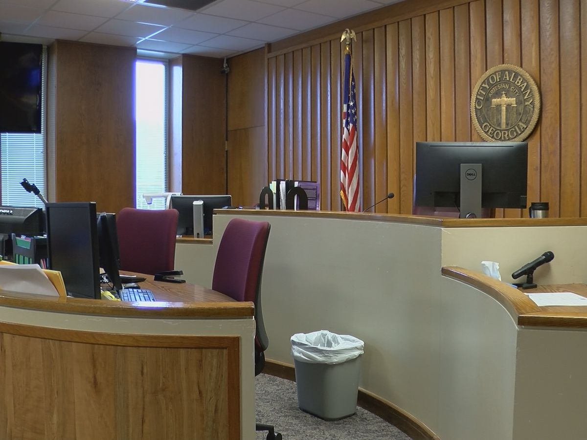 Albany City Commission works to fill vacated municipal court jobs