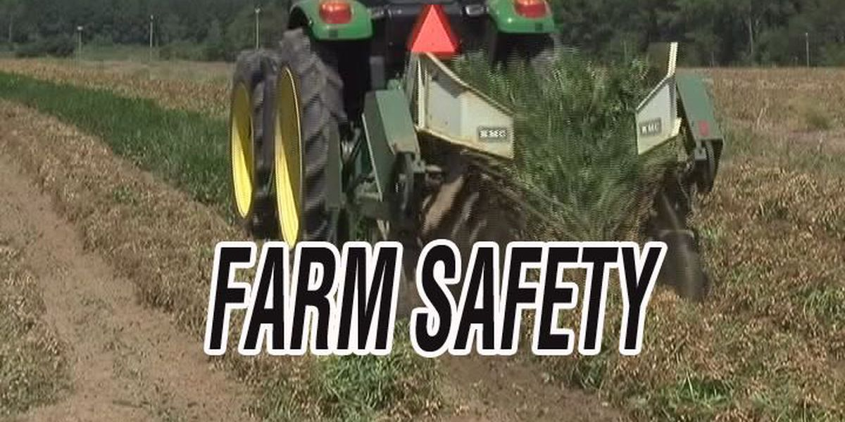 Worth man dies in tractor accident
