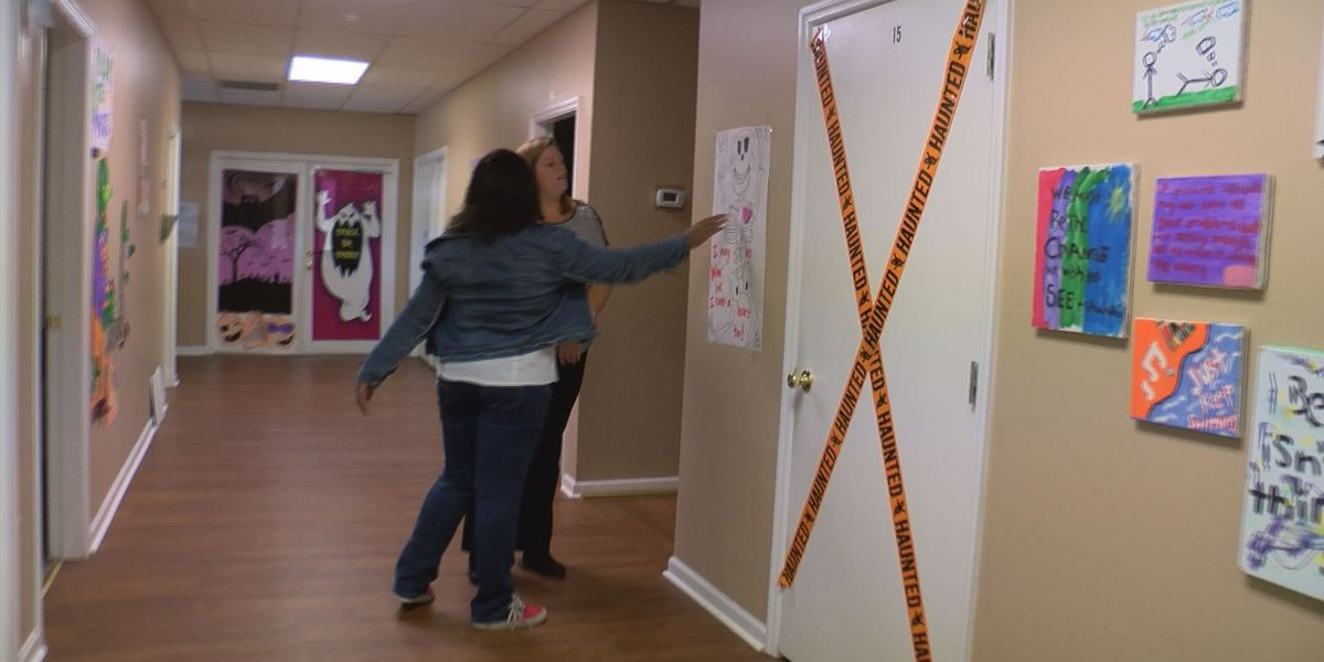 Teen throws 'Hallow-Bash' to help raise awareness for mental health