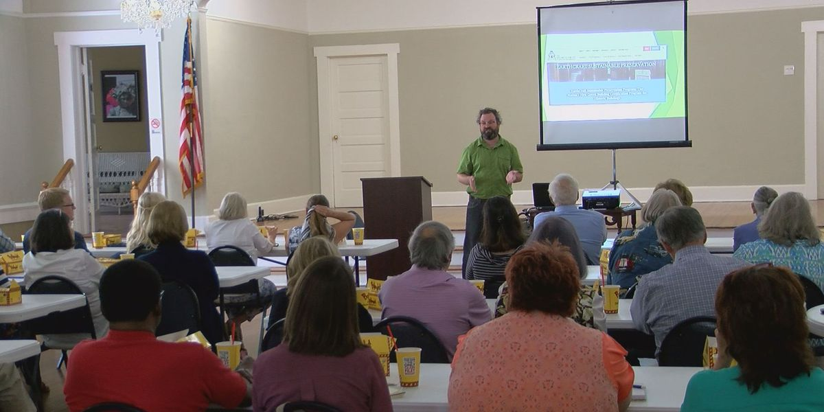 Valdosta leaders learn the importance of historic preservation
