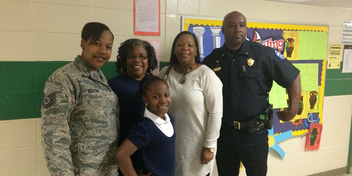 Military mom surprises daughter, mother