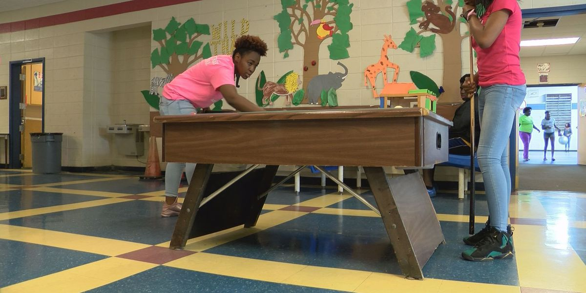 Leaders tour Boys & Girls Club of Albany