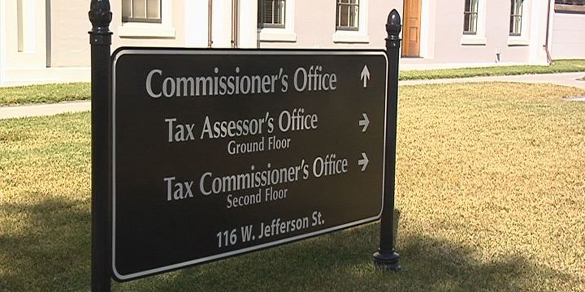 Commissioners approve raises for county employees
