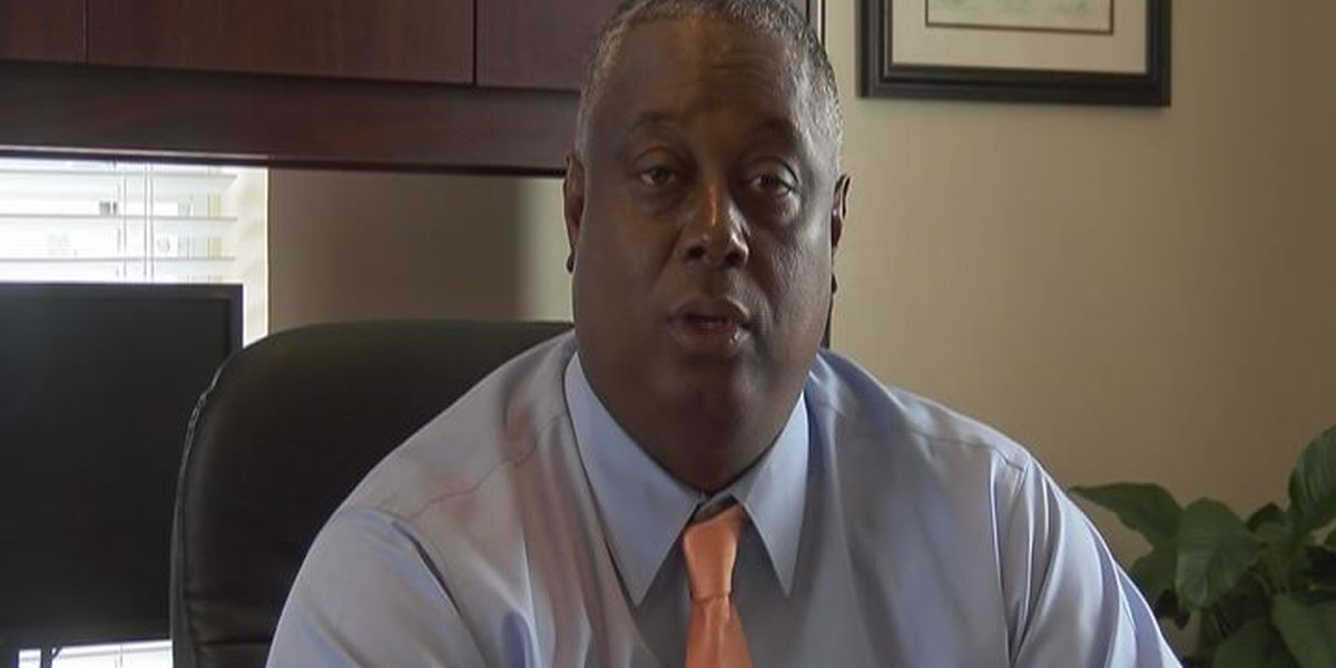 Decatur prison chief steps down