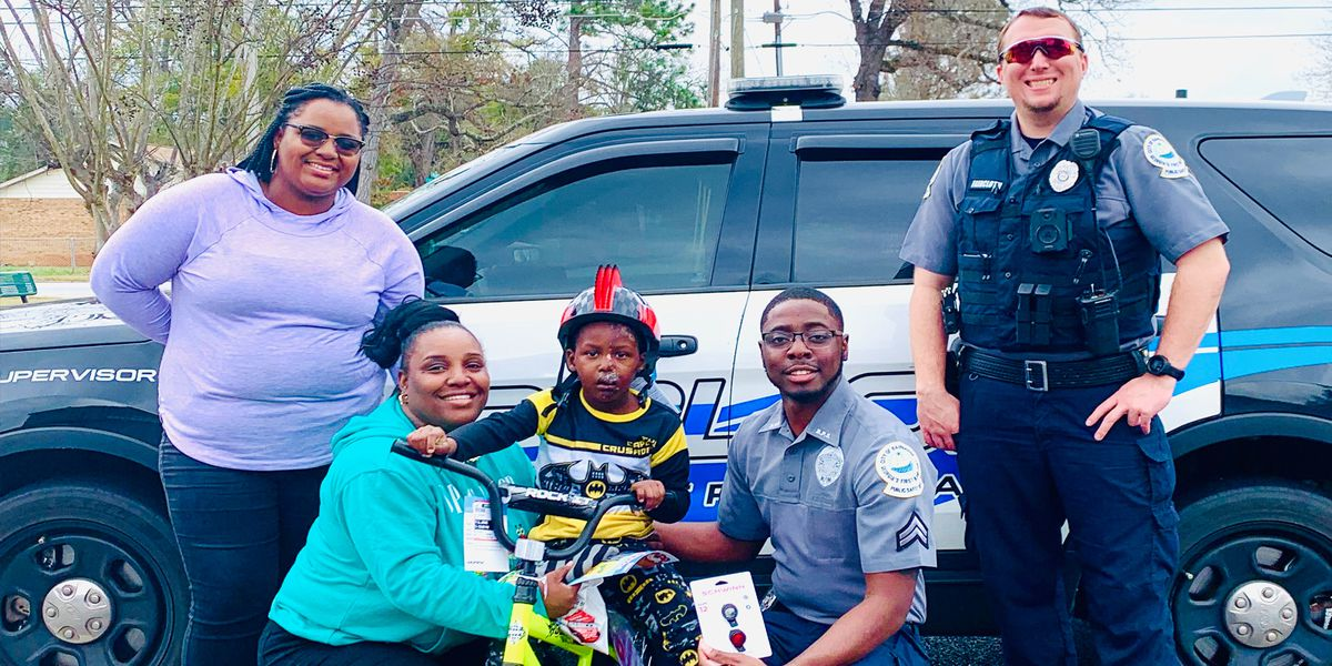Bainbridge boy gifted with new bike after accident