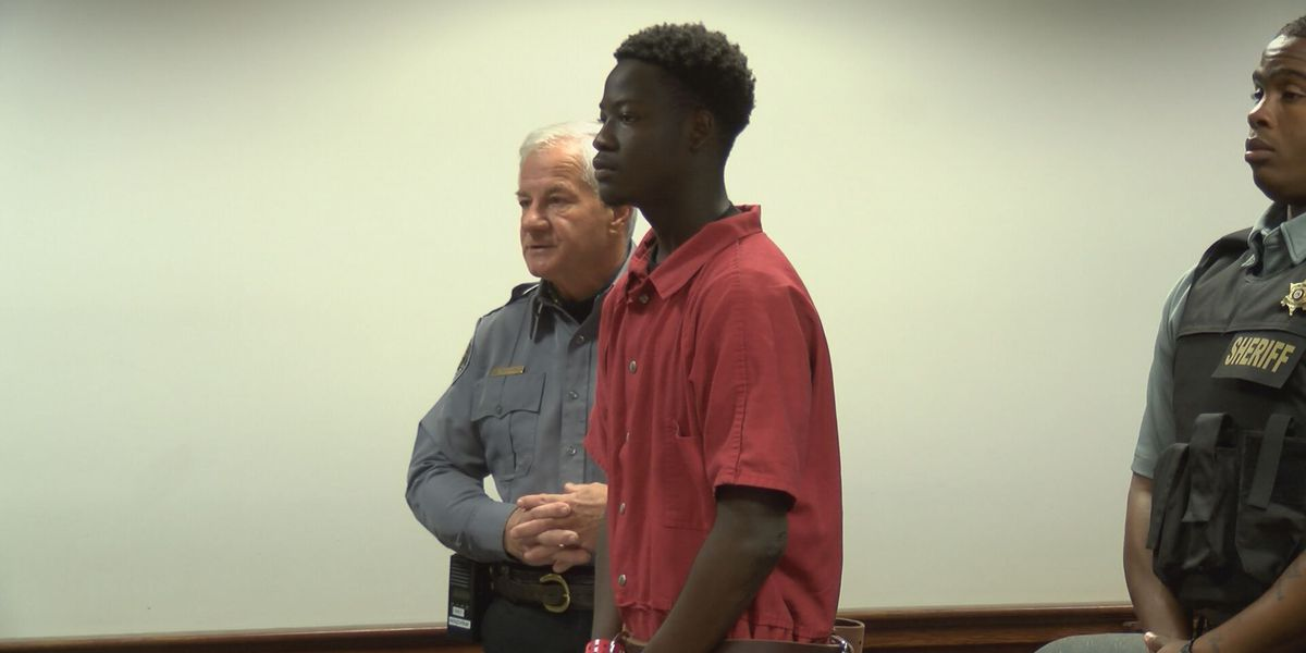 Murder suspect held without bond after first court appearance
