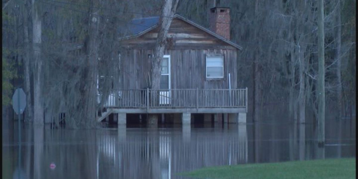 Wilcox County flood victims evacuate homes