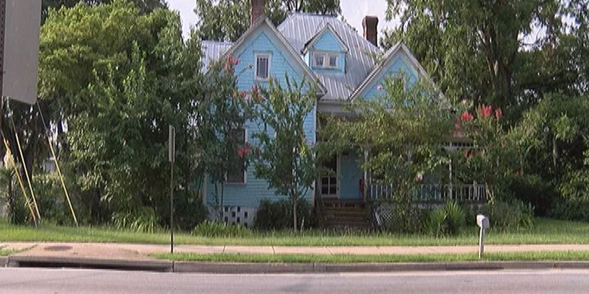 Suspicious fire may be retaliation for knife attack