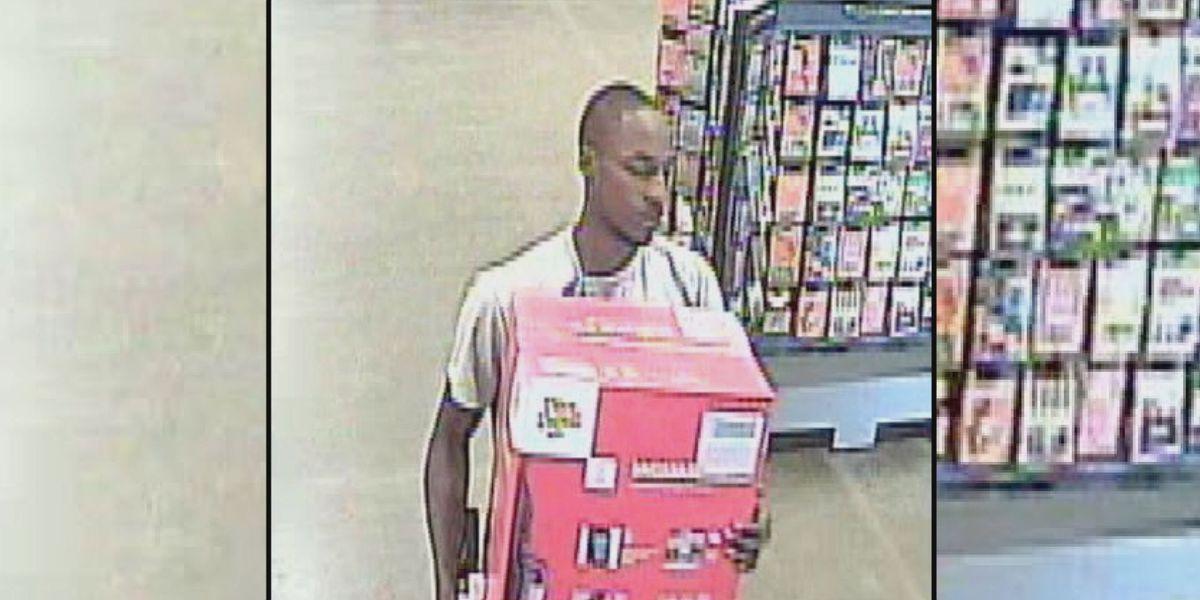 Bainbridge investigators search for credit card theft suspect