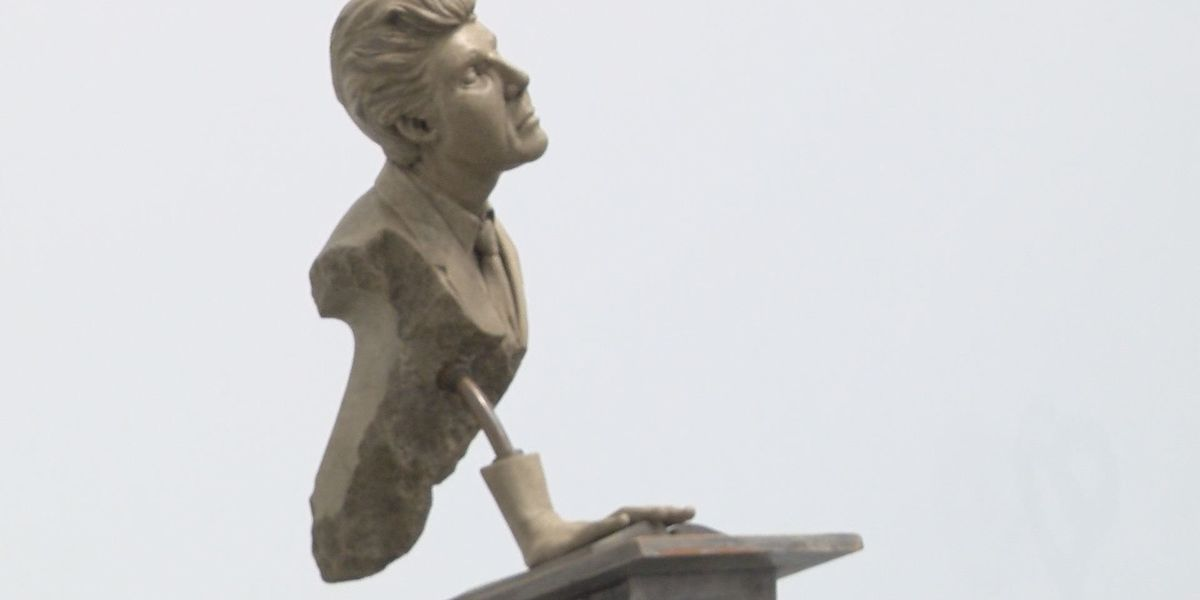 Sculptor heads to Albany to explore people's creativity
