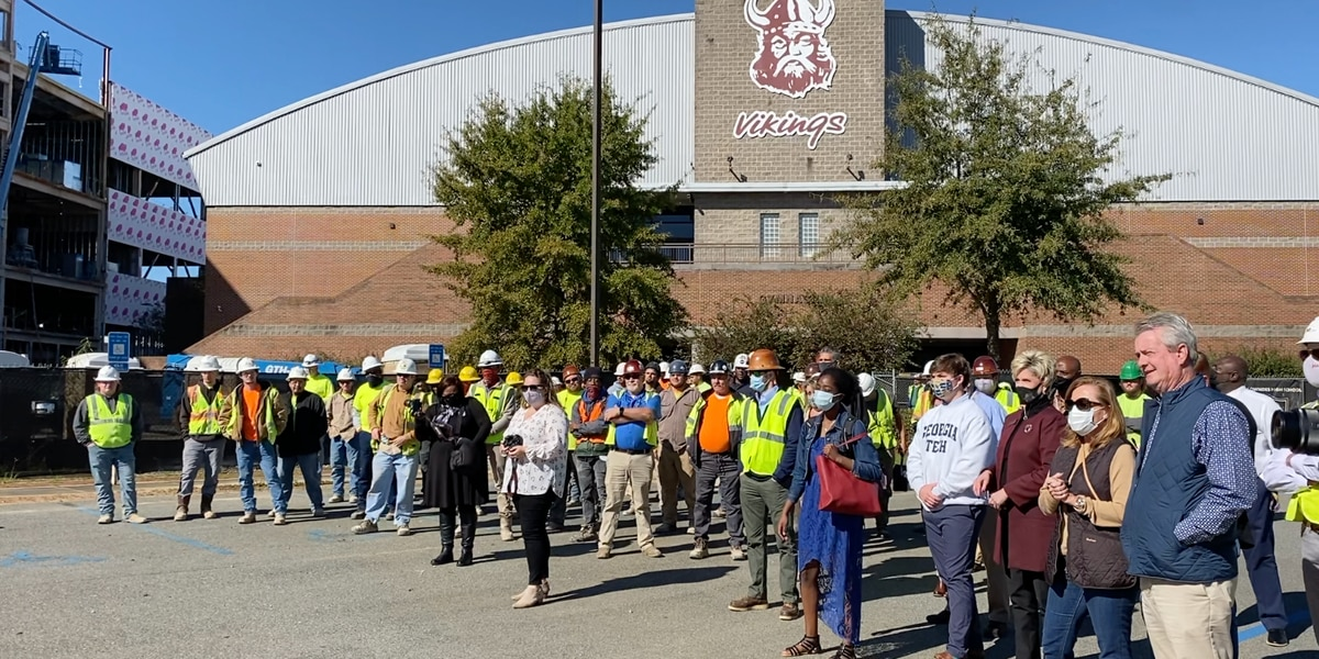 Lowndes High holds 'Topping Out Celebration' for their new building