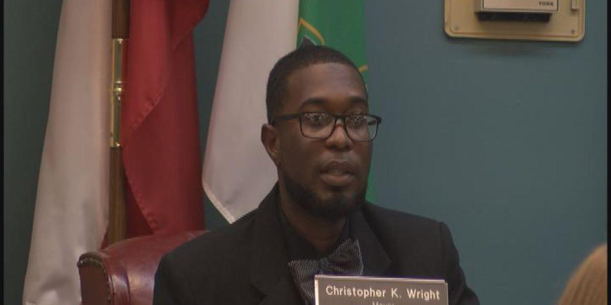 Dawson Mayor says he's still on the job