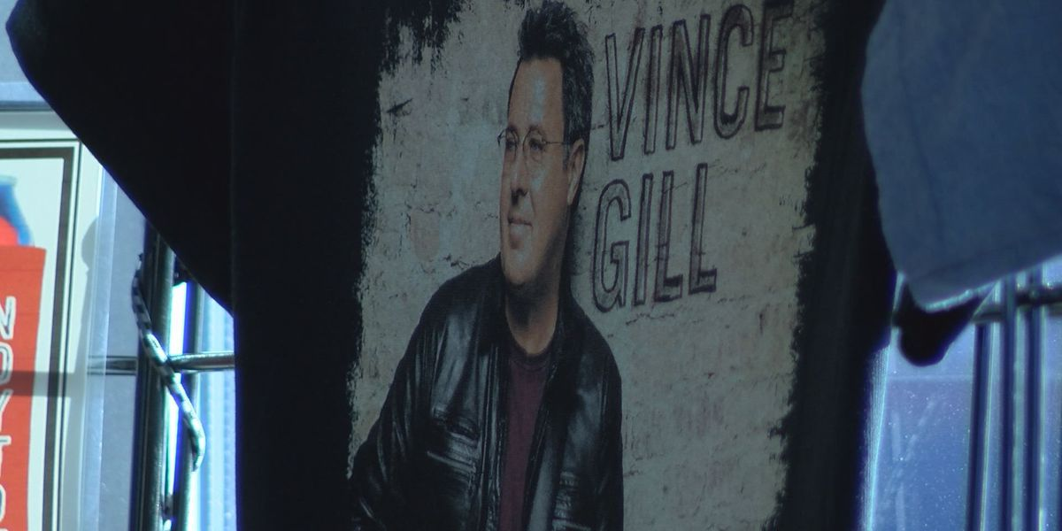 Country music star Vince Gill concert sells out