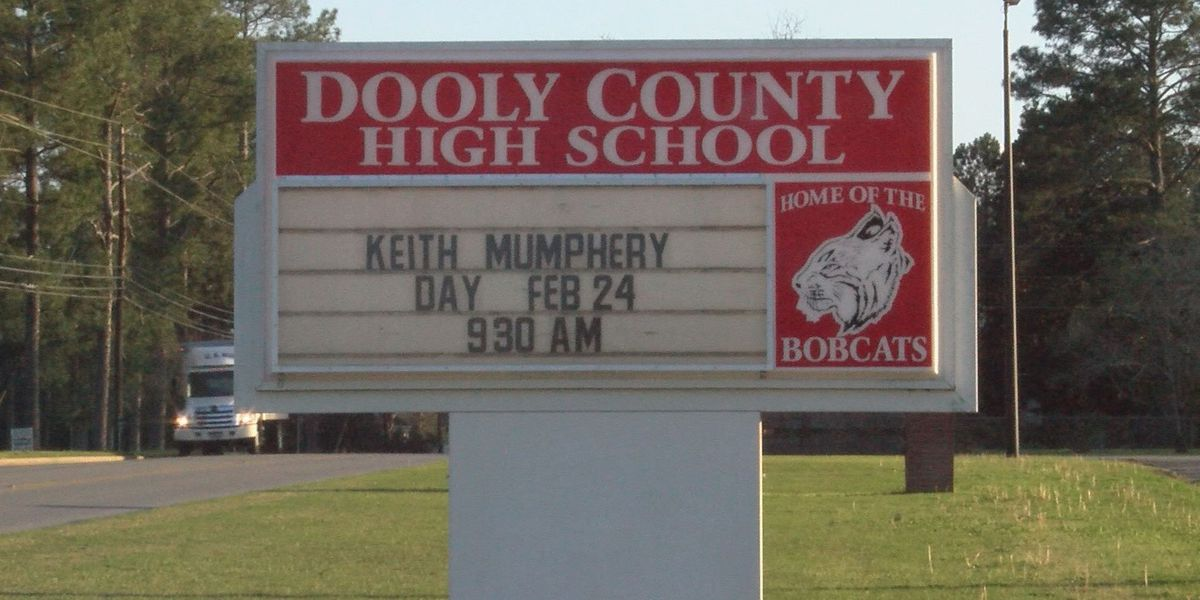 "NFL player honored at his alma mater on ""Keith Mumphery Day"""