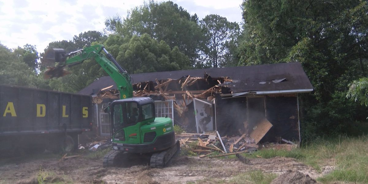 City clears another abandoned structure