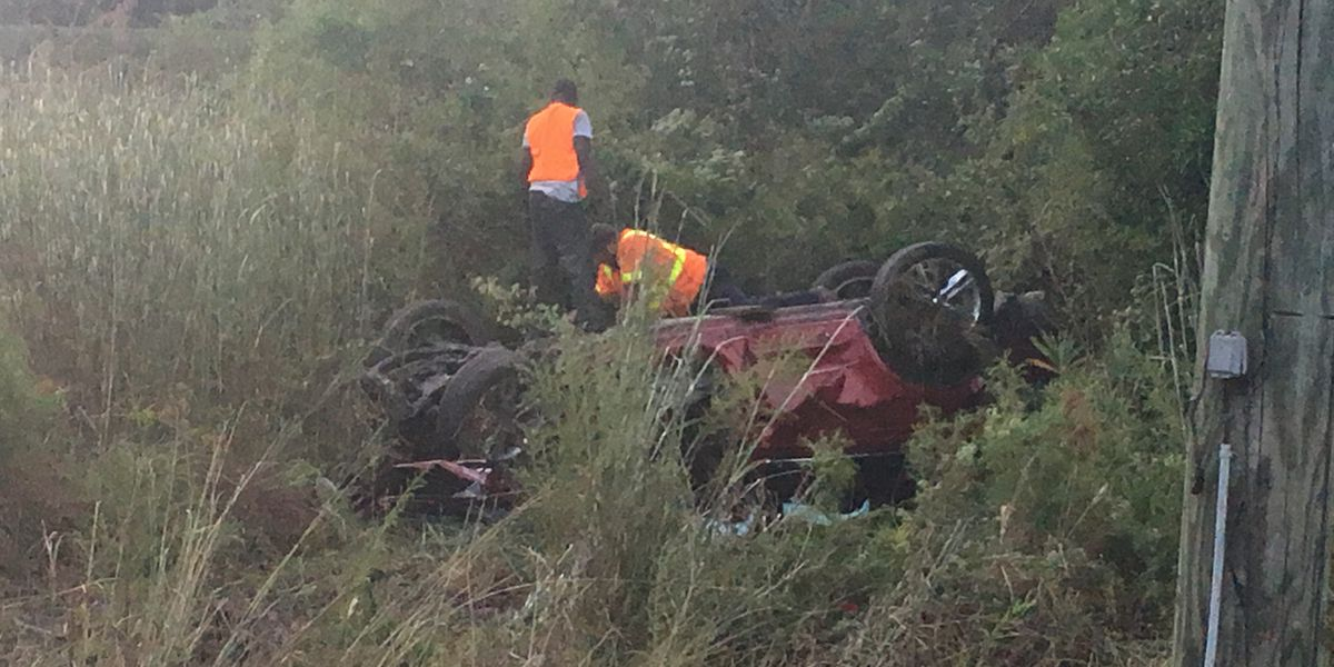 3 injured in Worth Co. wreck