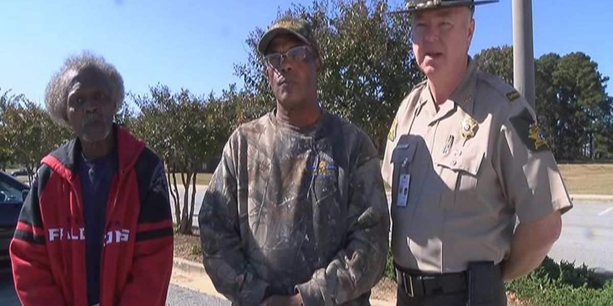 Cordele organization collects food to feed families for Thanksgiving