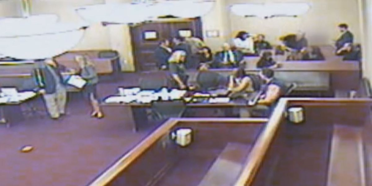 Two district attorney's office employees file notice to sue Sumter County