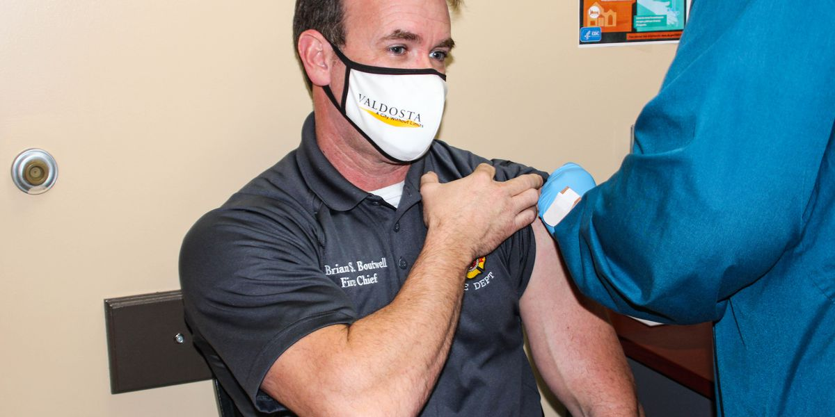 Valdosta police and fire chiefs encourage other officials to get vaccinated