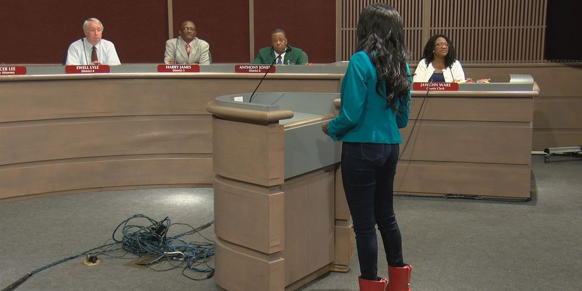 Albany student sings to say thank you