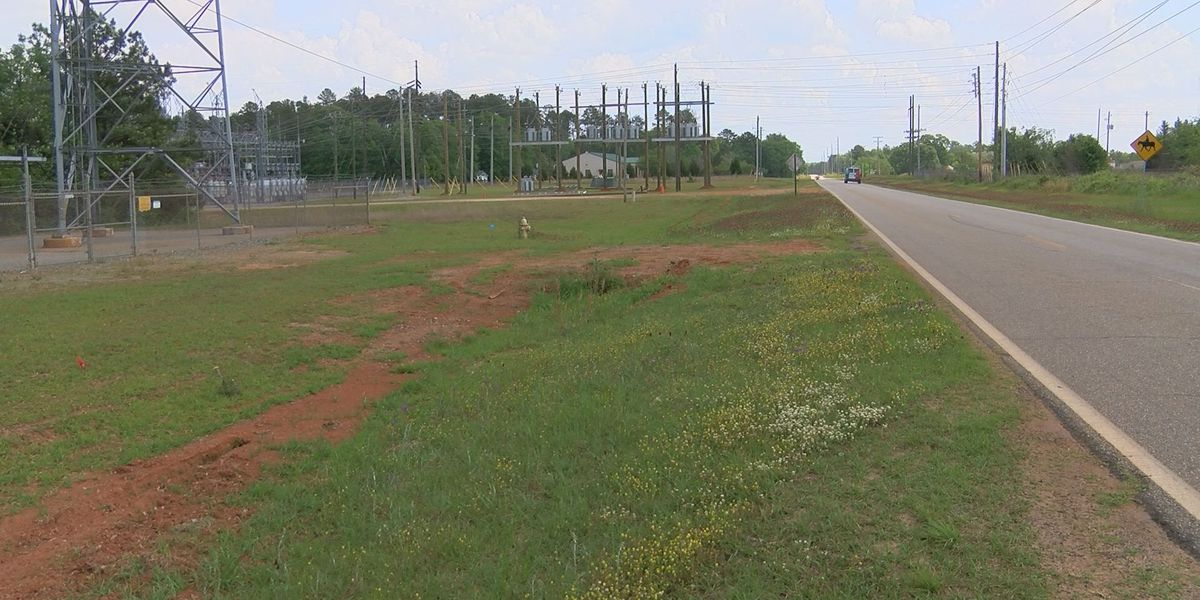 Lee Co. Commission closer to road approval near proposed LCMC