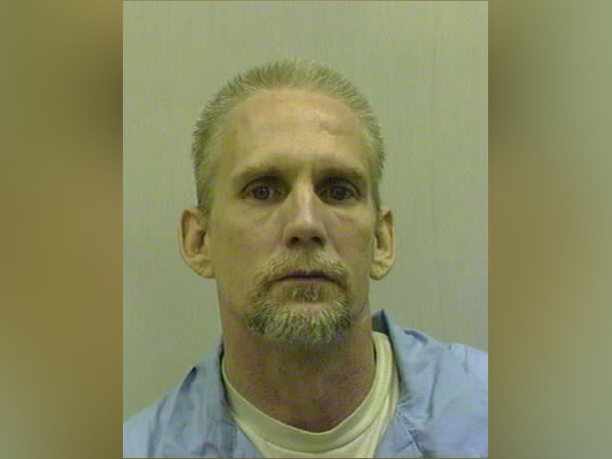 Court clears way for federal execution of man with dementia