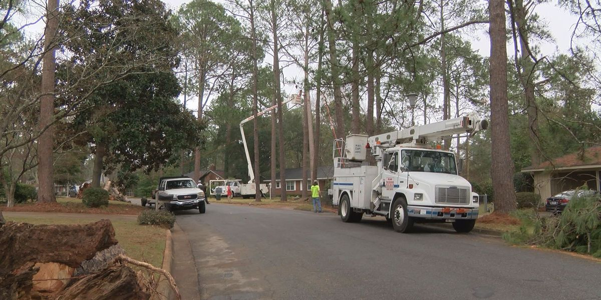 Albany fire officials aid residents ahead of future storms