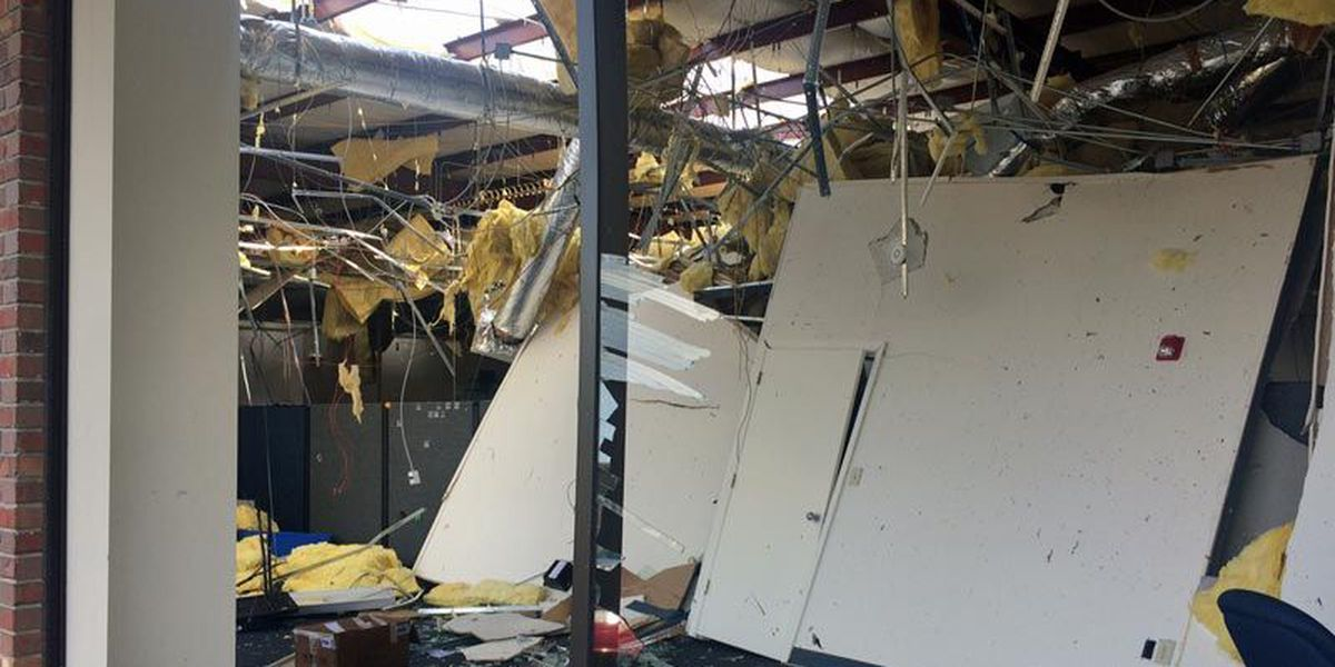 Call center staff survives office roof collapse