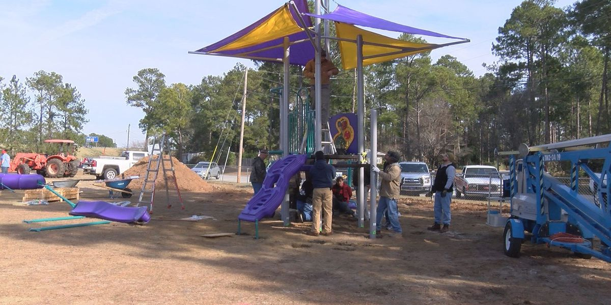 'Community Build Day' constructs playground for primary school