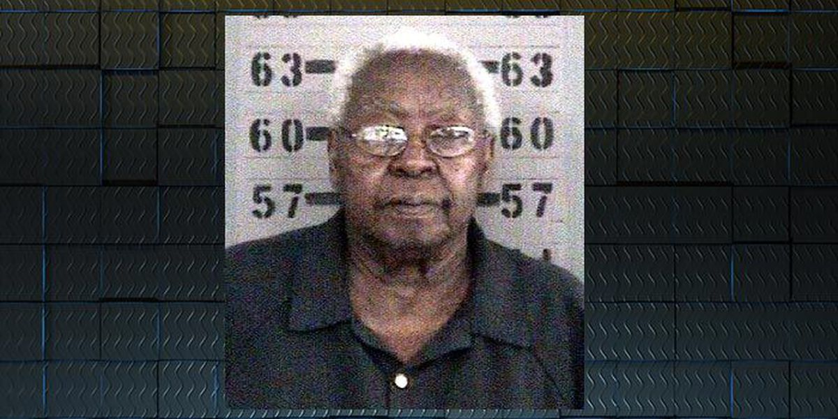 Police: 90-year-old woman shoots husband in back