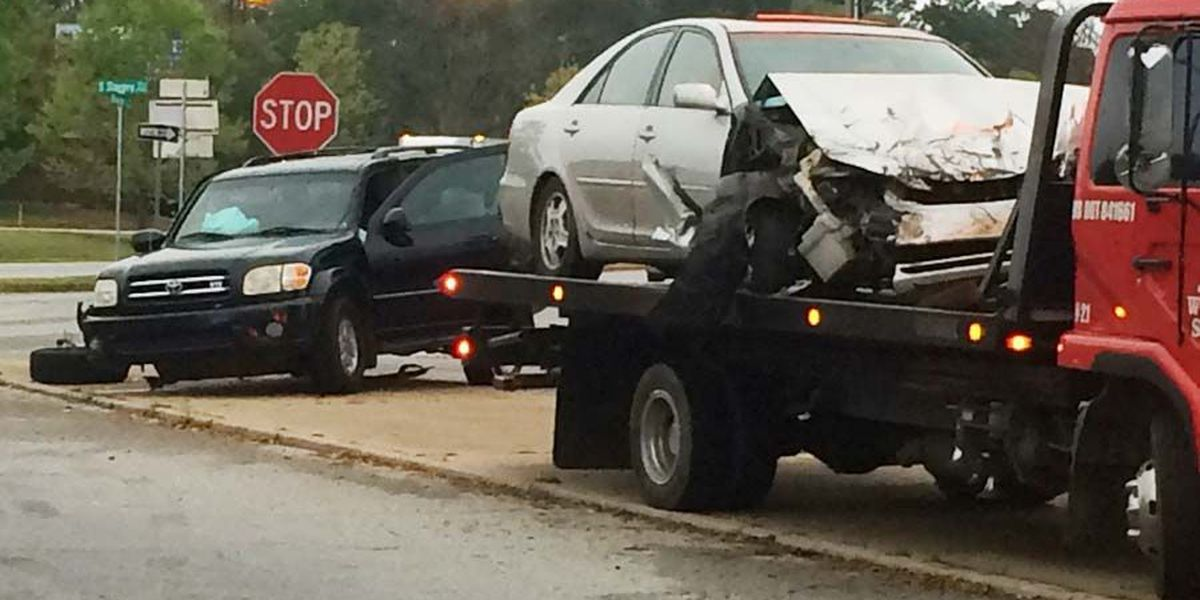 Cars collide on South Slappey