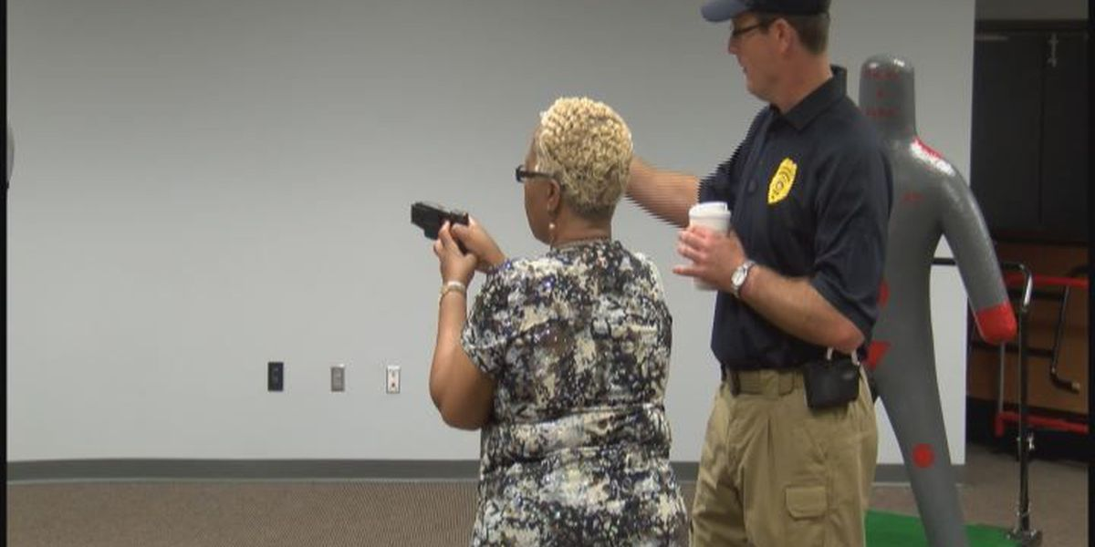 Church members honor police officers