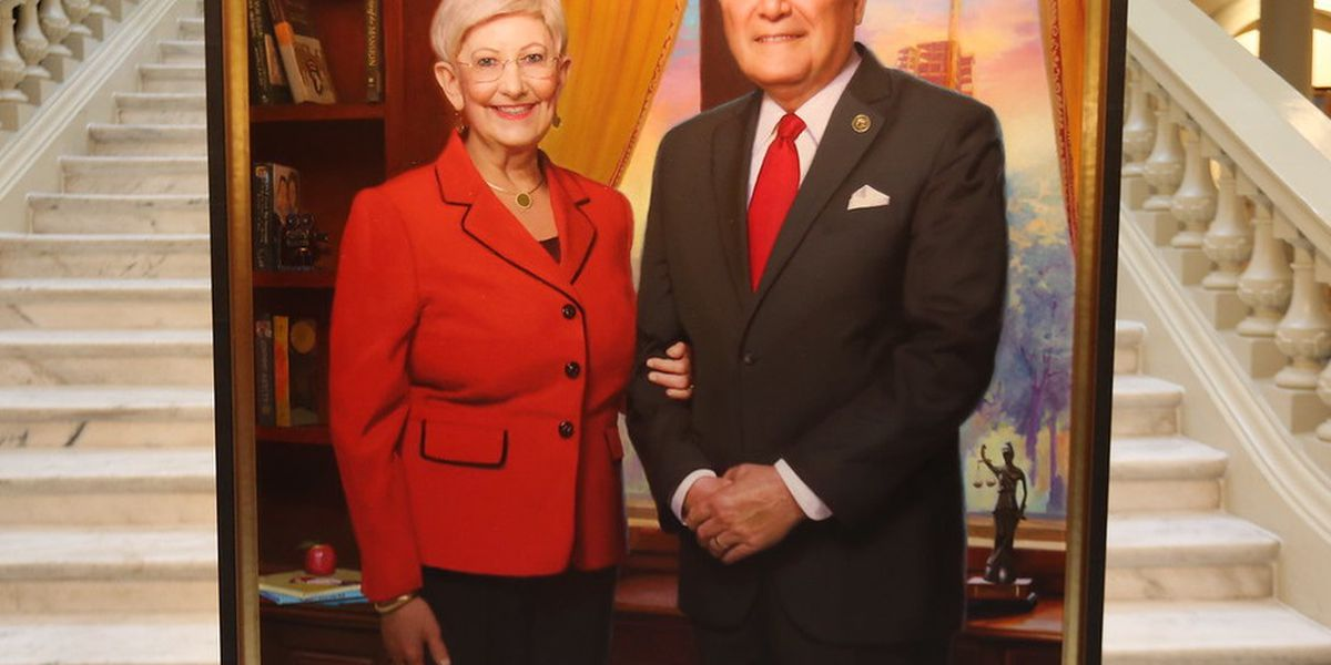 Official portrait of GA Gov. and Mrs. Deal unveiled in State Capitol